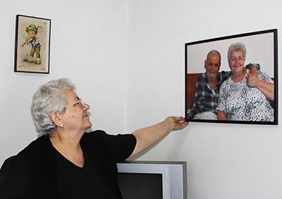 Granny Dorcas Albanië