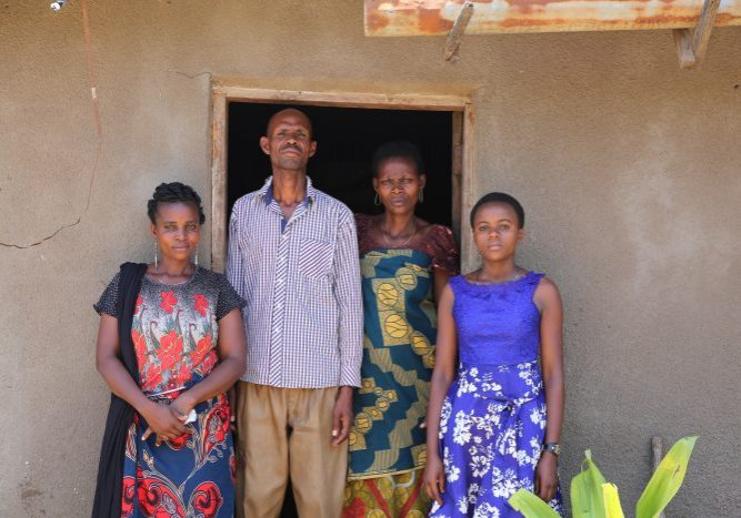 Navoi, tante en pleegouders in Tanzania, adopt a child, sponsoring