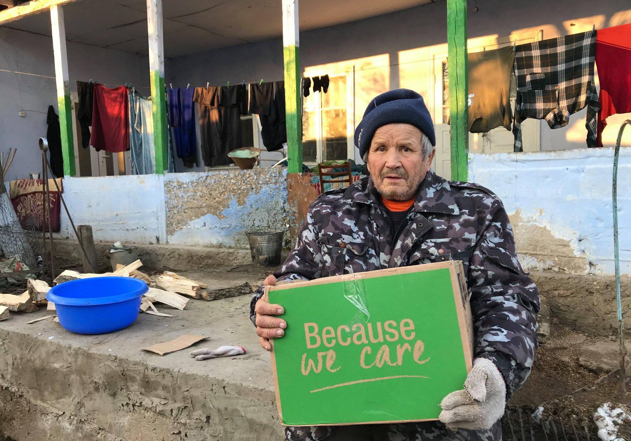 dva-2019-campagnebeeld-ontvanger-pakket-moldavie